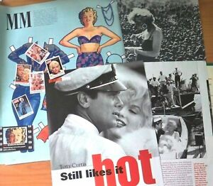 Marilyn-Monroe-Magazine-Clippings-Pack