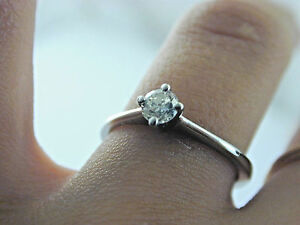 Platinum-0-29-carat-diamond-solitaire-ring-size-M-3-4g-with-certificate
