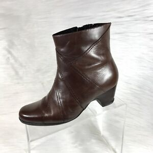 f98ace46098a Clarks Artisan Women s Ankle Boots Brown Leather Low Heel Size 7.5 M ...