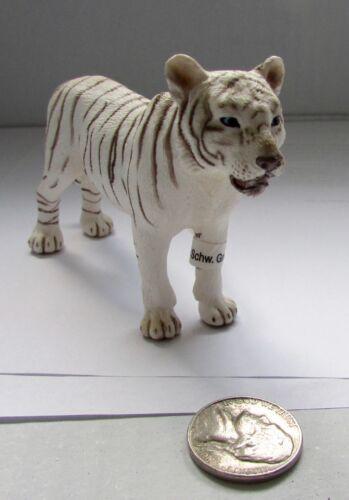Schleich NWT White Tigress 14383 retired female tiger