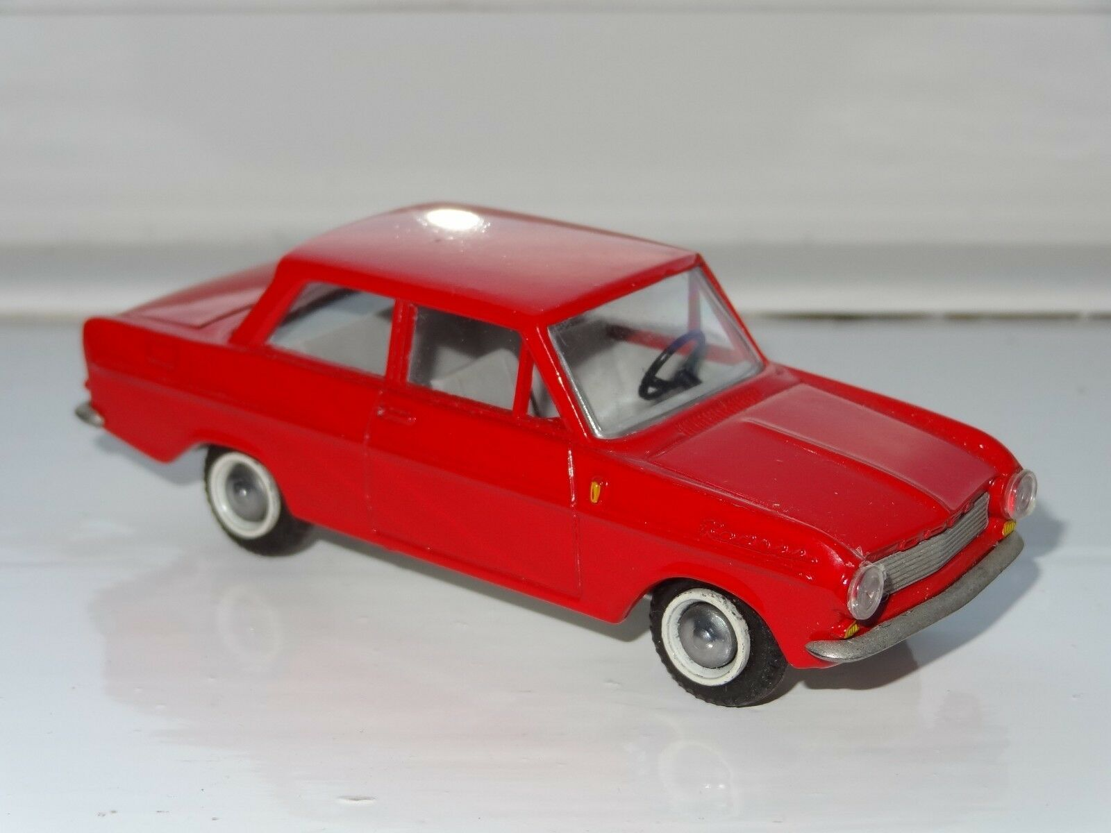 (S) TEKNO DANEMARK Opel Kadett - 724 avec roue de secours