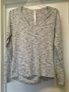 Lululemon-Meant-To-Move-Tiger-Space-Dye-White-Black-Long-Sleeve-Top-Sz-2-EUC