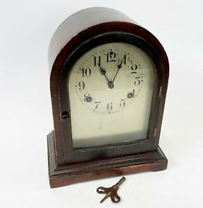 Vintage-11-034-WATERBURY-Co-USA-COMPLETE-Arch-Top-Mechanical-Wind-Up-Mantle-Clock