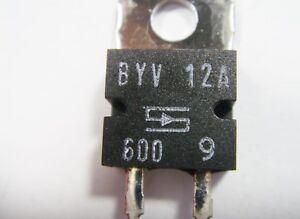 BYV12A-600-Diodos-Rectificador-600V-12A-TO220-1-10A3