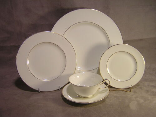 4 Wedgwood China Gloucester 5 Piece Place Settings ~ Lot 1