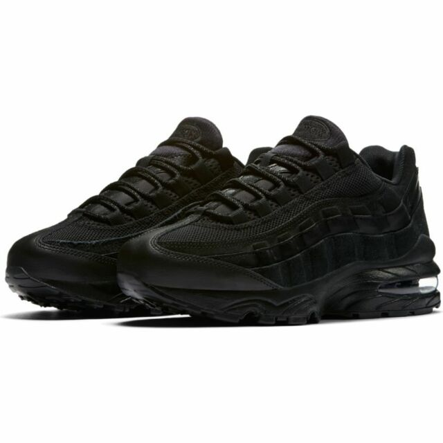 NIKE AIR MAX 95 GS 307565 055 LEATHER TRIPLE BLACK YOUTH BOYS GIRLS ALL SIZES