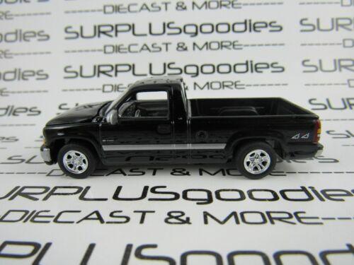 Johnny Lightning 1:64 LOOSE Black 2000 CHEVROLET SILVERADO 1500 Pickup Truck