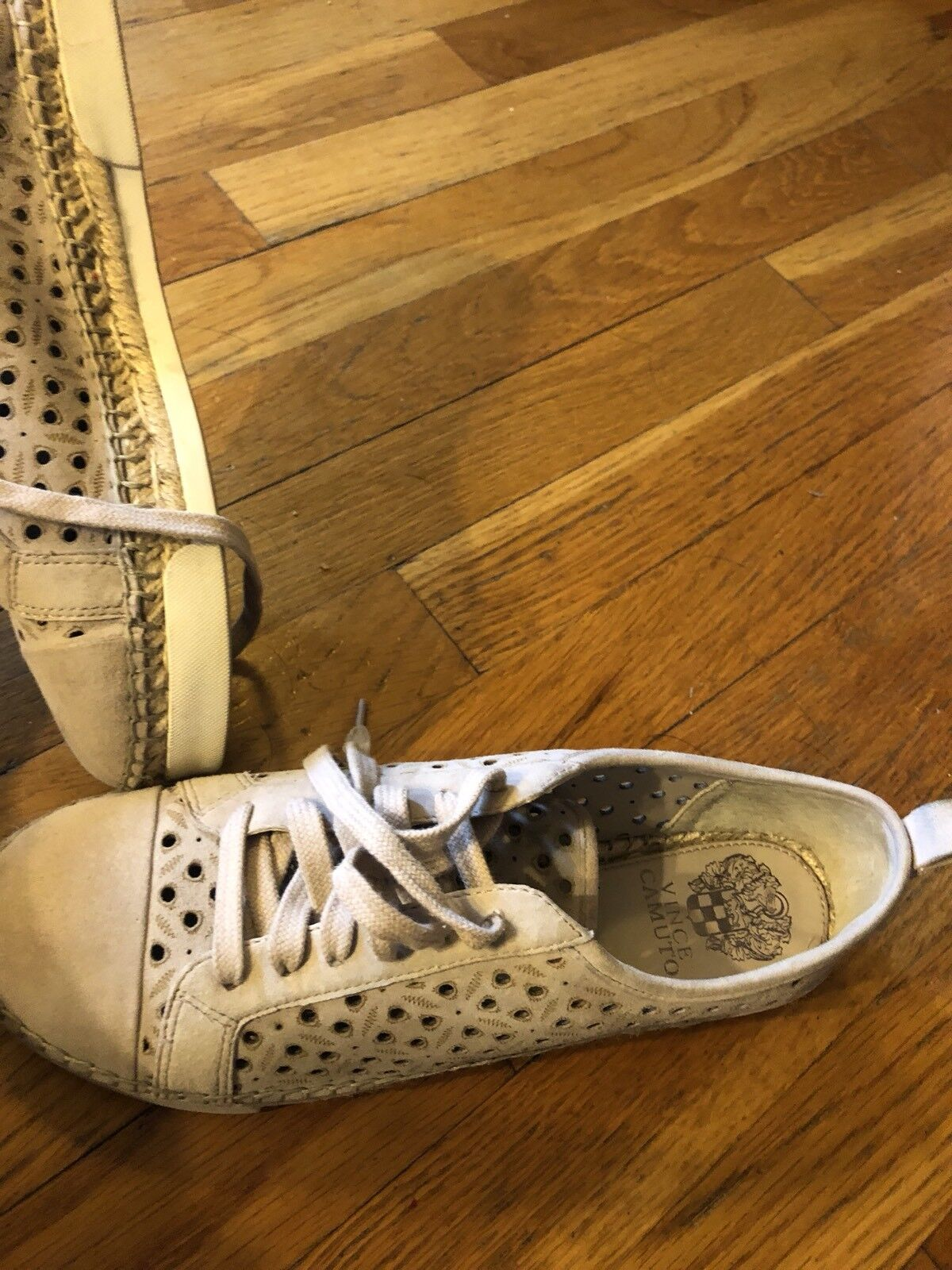 Vince Camuto VC THEERA Perforated Perforated Perforated Genuine Leather Rubber Sole Lace Up Sz 10 330247