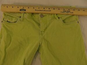 Womens-American-Eagle-Outfitters-Stretch-Lime-Green-2-Short-Corduroy-Jeans