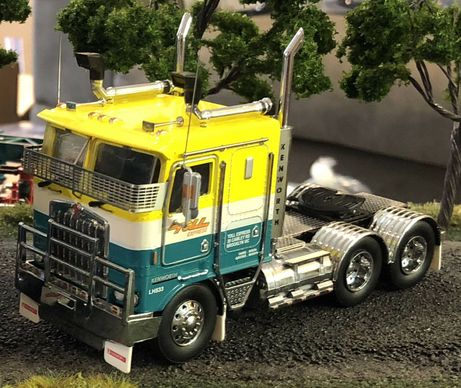 New Iconic Replicas Kenworth K100G Toll Express Truck Prime Mover