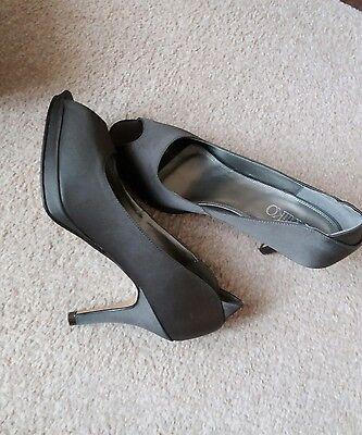 Kaliko zapatos talla 4