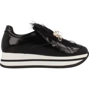 low priced 6a389 83b5c Dettagli su Tosca Blu Scarpe impreziosite da piume e perle sneakers in  pelle nera suola in g