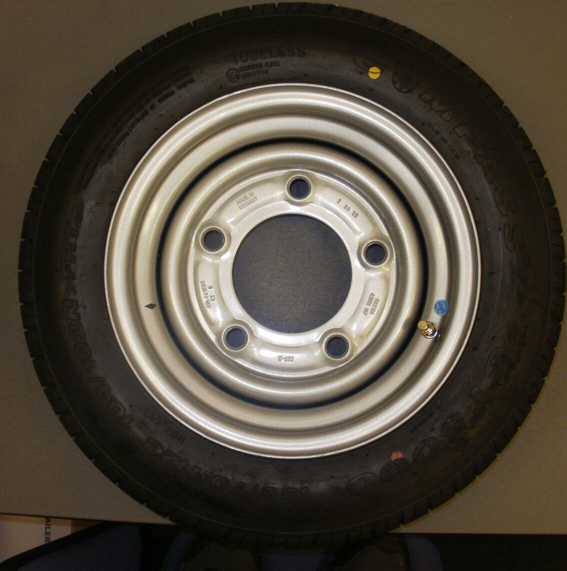 185/60/12 wheel and tyre assembly to fit Ifor Williams plant/livestock trailers