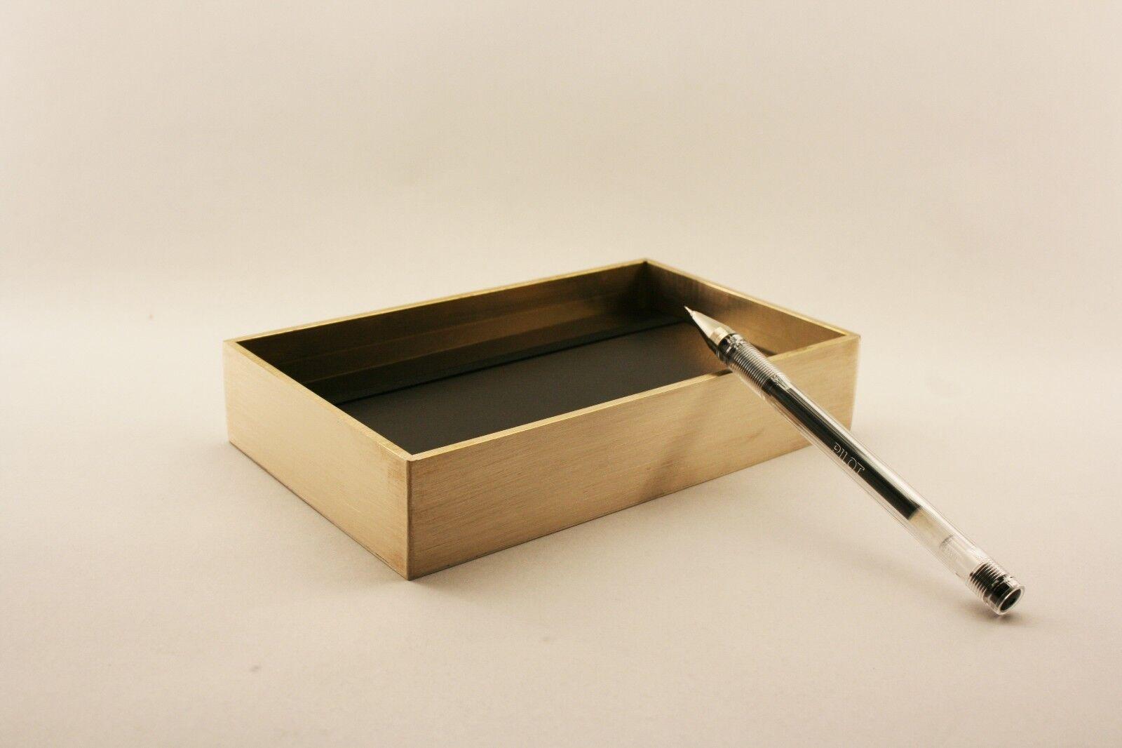 Design Box Messing   Brass Case   poliert   gebürstet   16 x 11,5 x 3 cm DIN A6