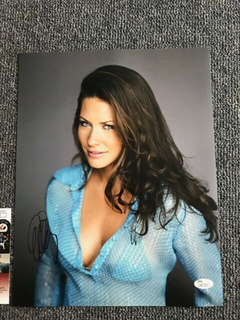 Sexy Evangeline Lilly Autographed Signed 11x14 Photo JSA COA