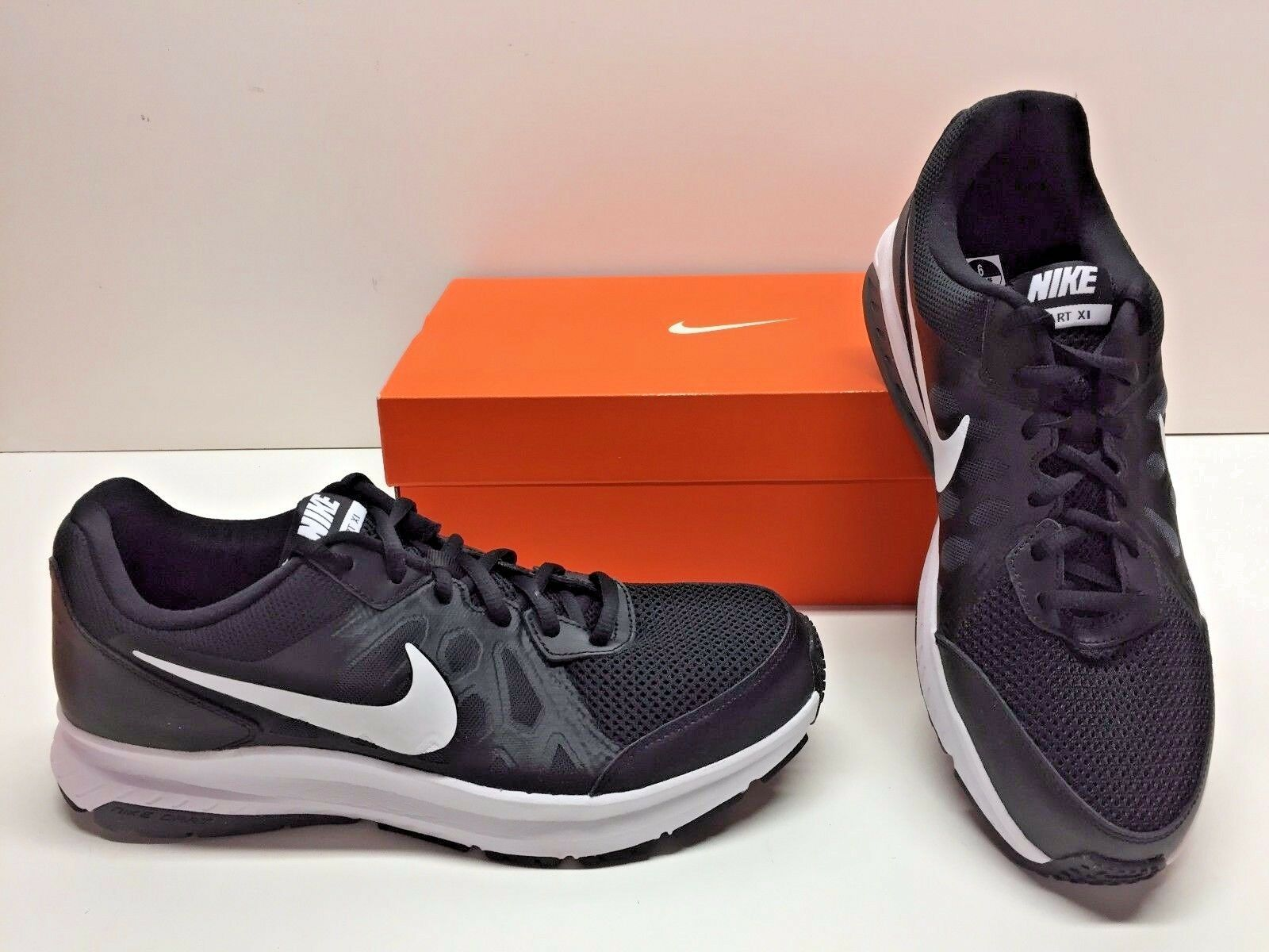 Nike dardo 11 xi croce formazione nero grigio e bianco scarpe scarpe Uomo