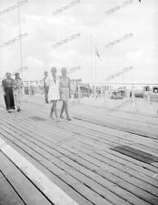 Beach life-1920/30-Fashion-Cute Happy young-Boy-Men-Girl-trunks-swimsuit-nude-7