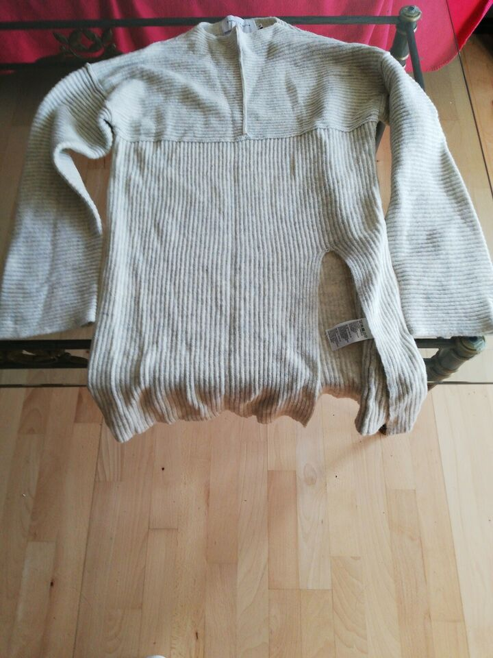 Sweater, Bik Bok, str. 38