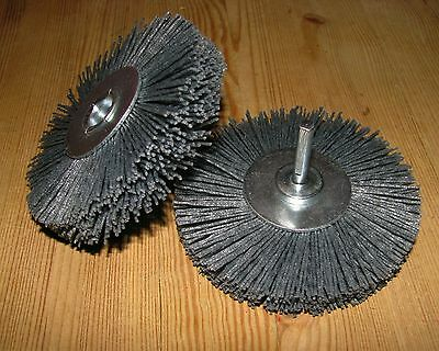 Mattierbürste D 100 x15 Schaft 6mm Silizumcarbid SiC K 80 grau Schleifnylon GROB