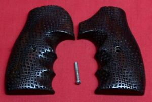 Smith-amp-Wesson-J-Frame-Grips
