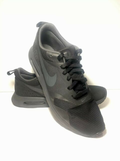best sneakers cdbd4 a0533 Nike Air Max TAVAS Black Anthracite Men s Shoe Size 10. 705149-010 FREE