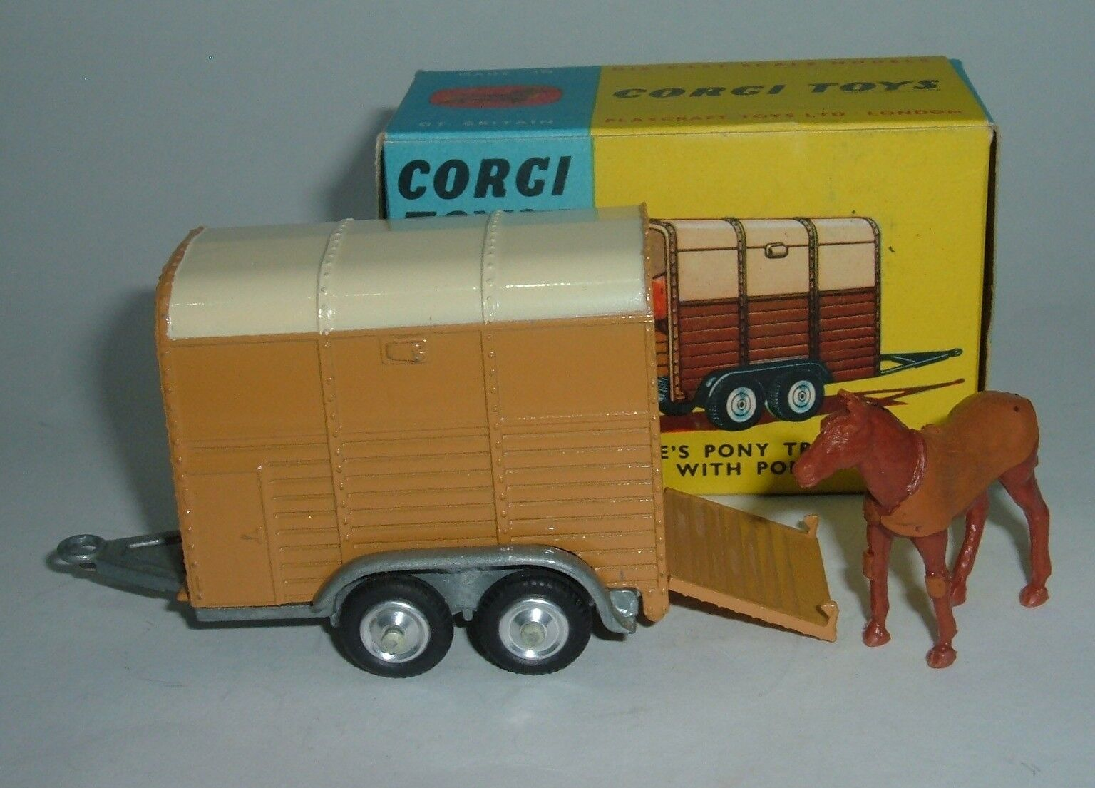 CORGI TOYS no 102, RICE'S PONY TRAILER avec poney, - Superbe Comme neuf