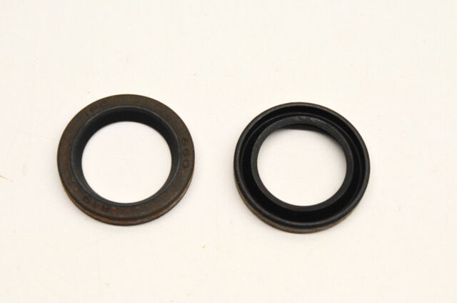 New OEM Briggs & Stratton 299819S Oil Seal Qty 2 NOS