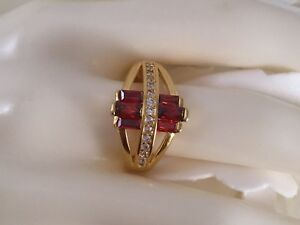 Vintage-Jewelry-Gold-Ring-with-Rubies-White-Sapphires-Antique-Deco-Jewellery-R