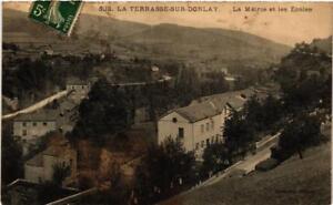 CPA-La-Terrasse-sur-Dorlay-La-Mairie-et-les-Ecoles-663813