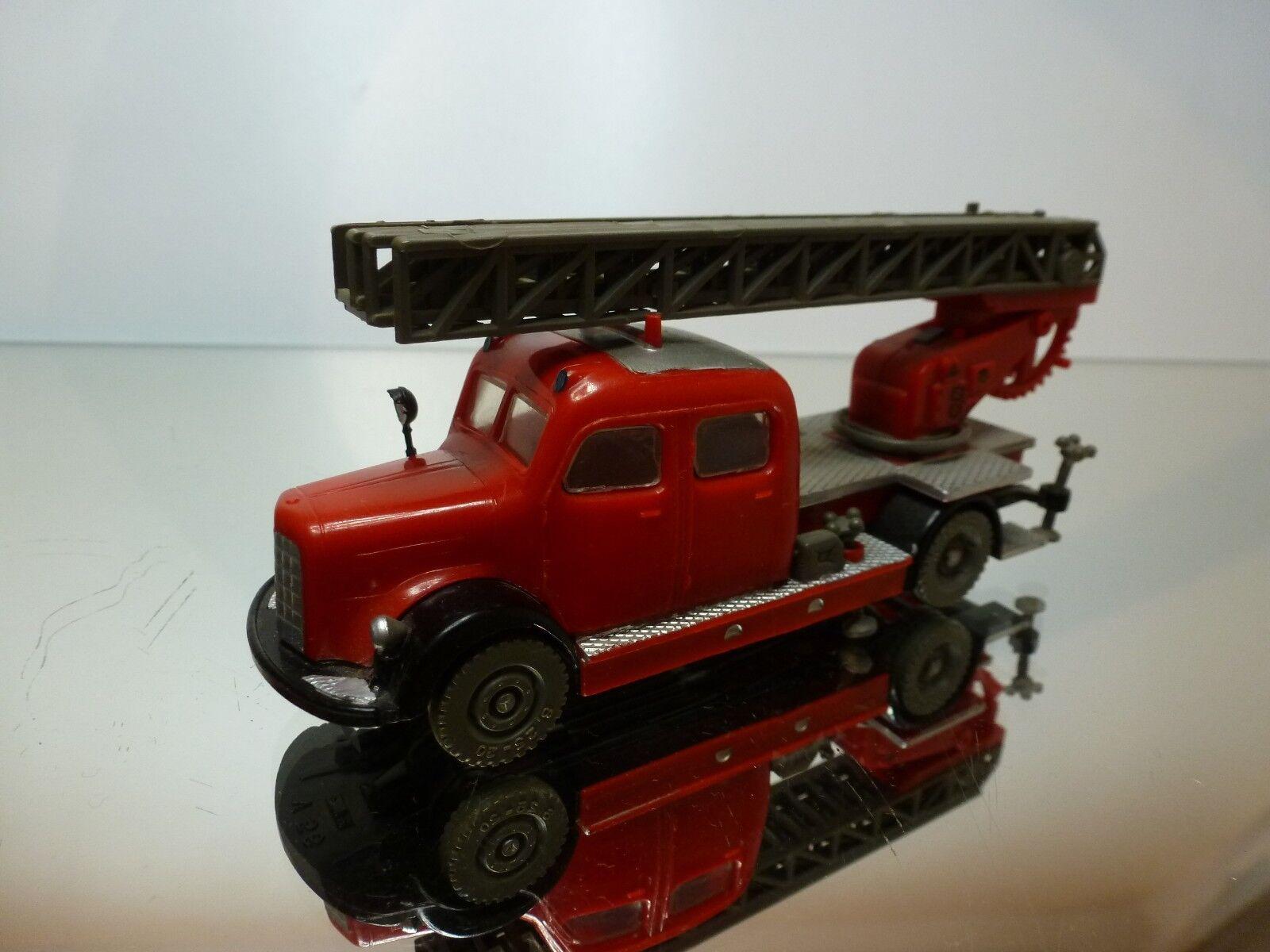 SIKU V56 MERCEDES BENZ - LADDER TRUCK METZ DL22 - FIRE BRIGADE L13.0cm - GOOD