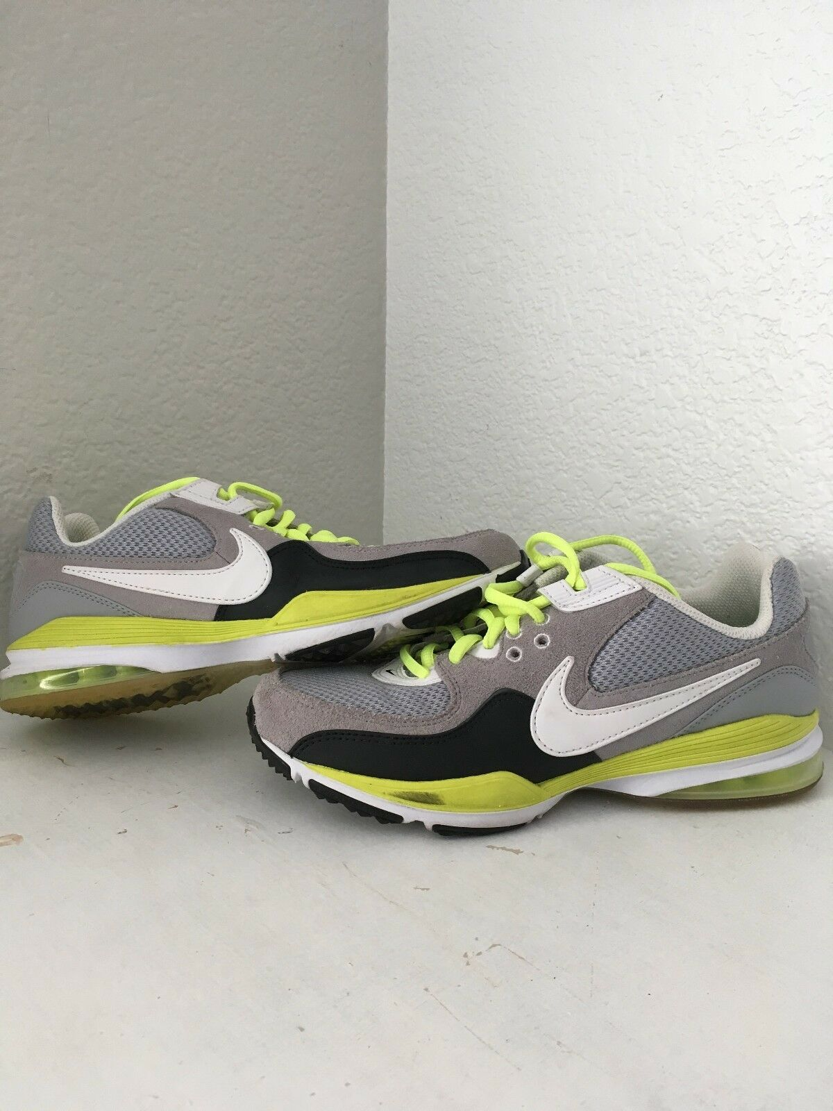Nike Women's Air max team ST. Grey/ white/ victory 6.5 green running shoes size 6.5 victory ba82ac