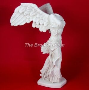 who made the winged victory of samothrace