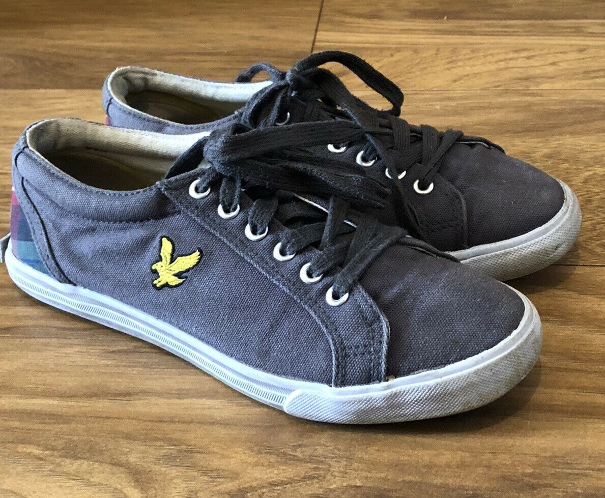 LYLE AND SCOTT GREY CANVAS SHOES - SIZE 6 - USED - *UK SELLER*