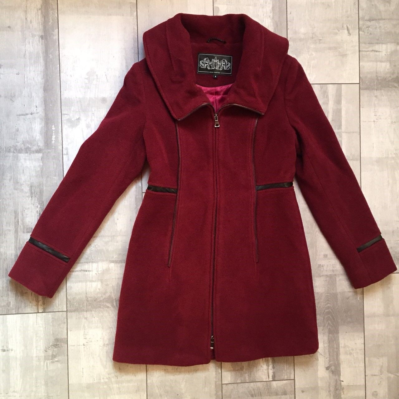 Zareen by BC24 Woman Wool Coat With Front Zipper Details   Burgundy Red   S