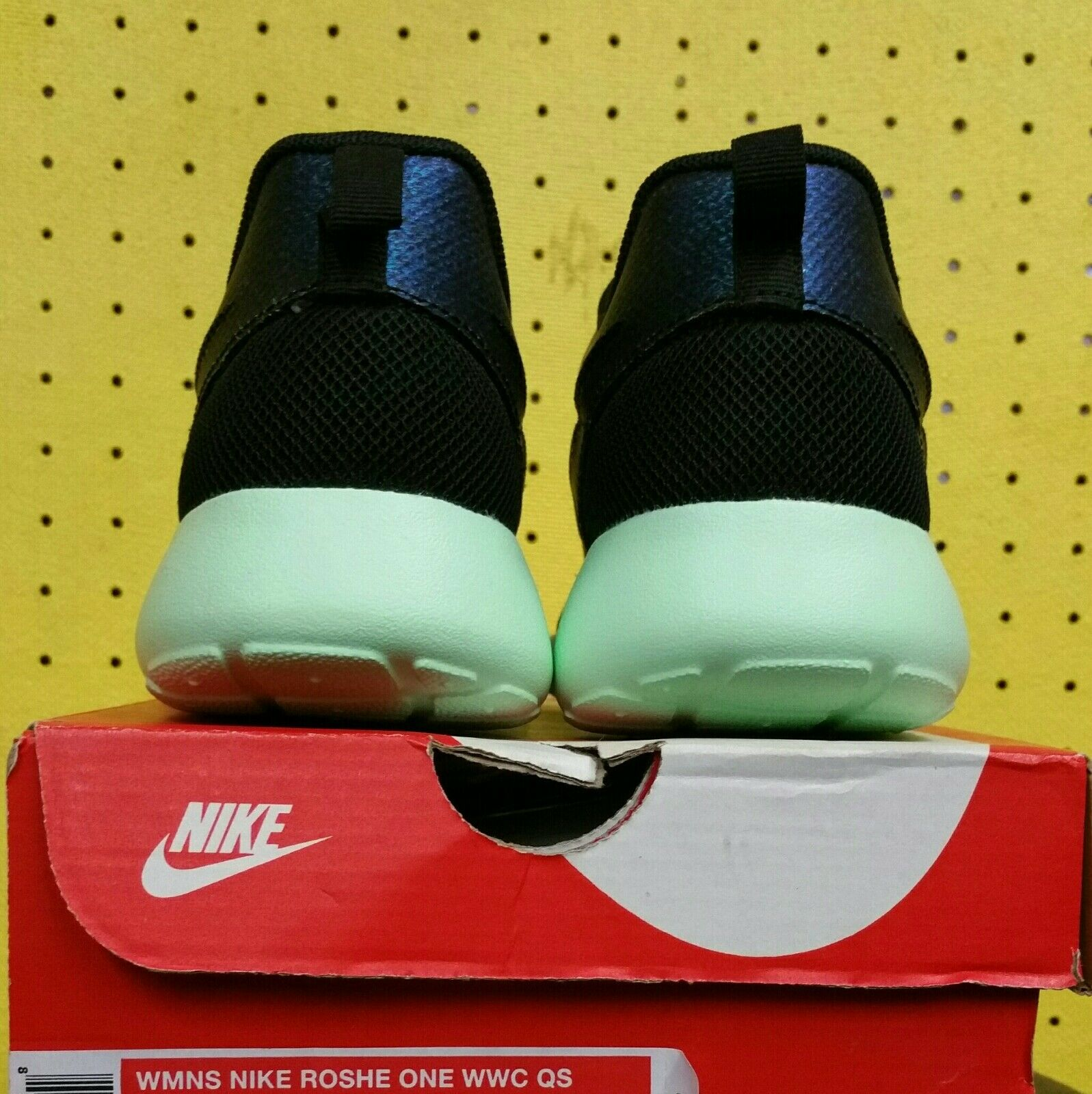 premium selection 5552c a2377 ... NEW Womens Nike Nike Nike Roshe One WWC QS Shoes Teal Vapor Green Sz  5.5 808708 ...