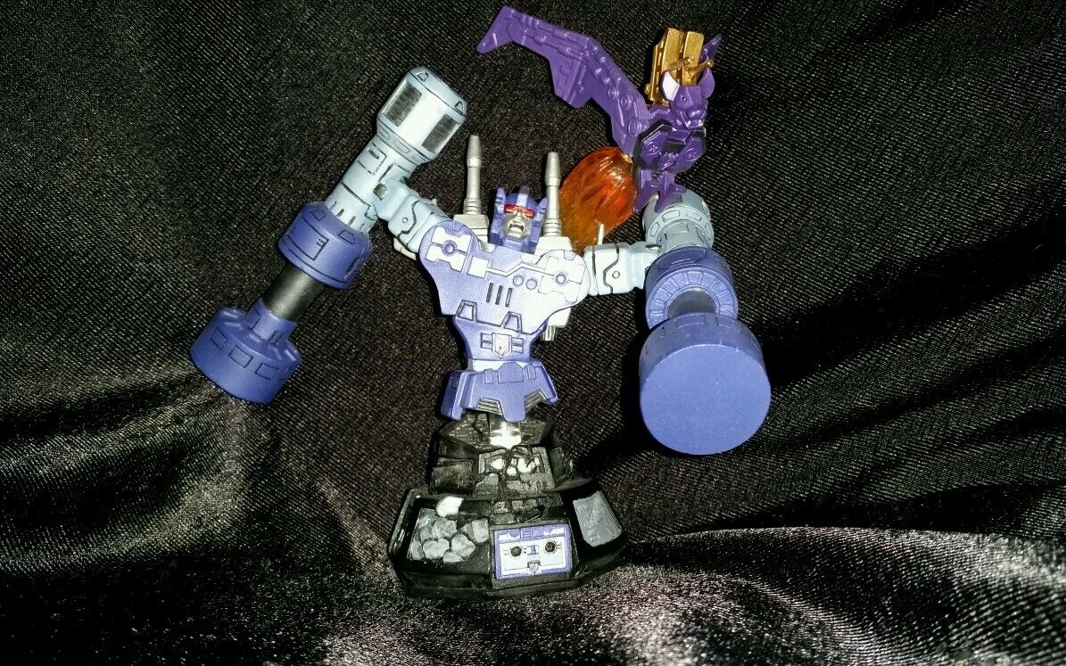 SALE Transformers cassettes diamond select g1 rumble w ratbat bust statue in box