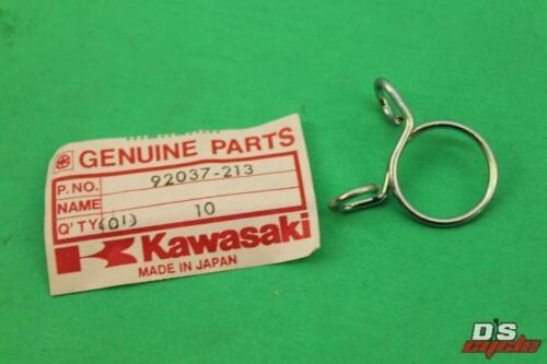 NOS Kawasaki Breather Tube Clamp KZ1000 ZL900 KLT110 EX250 92037-213