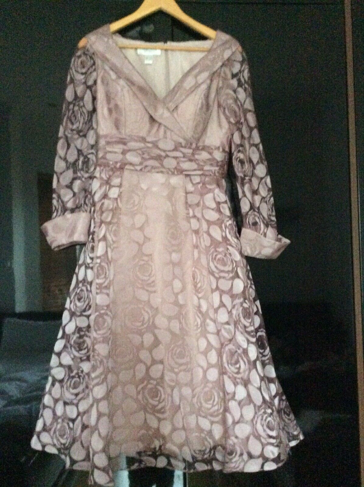 veromia mother of the bride Size 10 Dress
