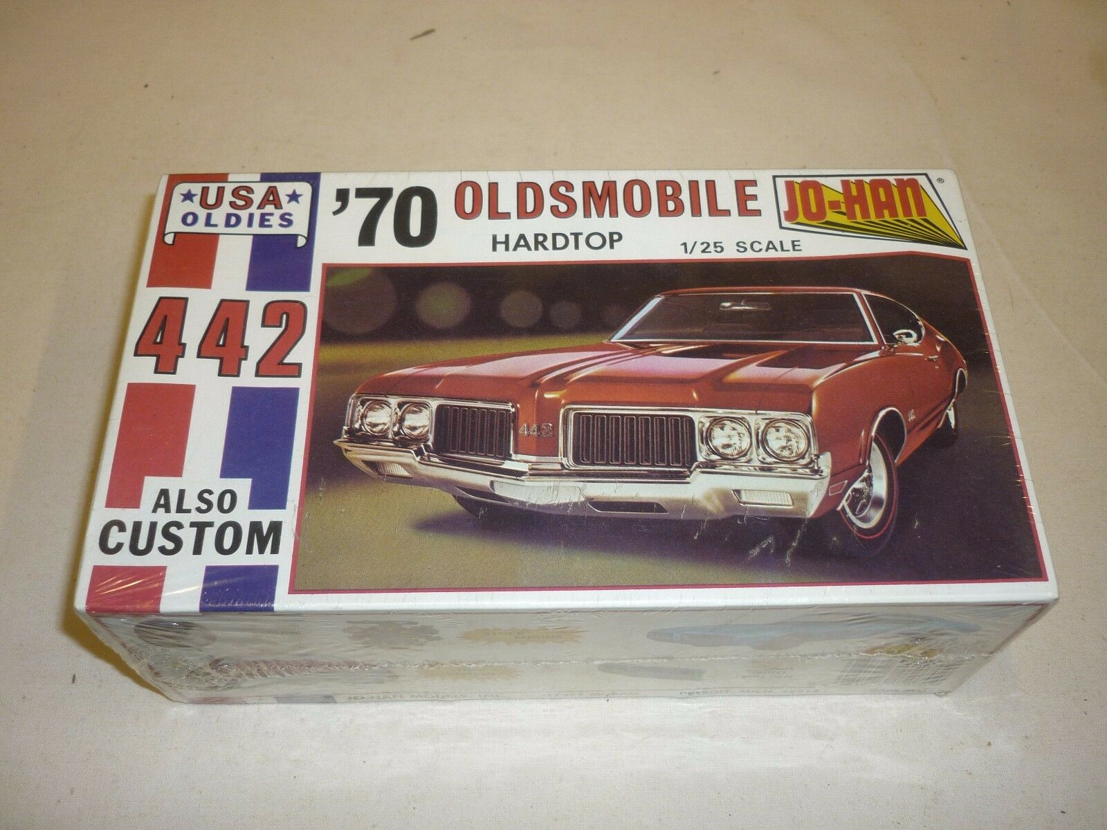 JO-HAN factory sealed  Un Made plastic kit of an 1970 Oldsmobile 442,   boxed