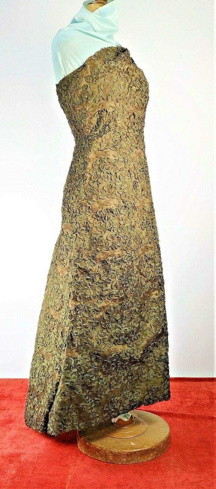 HAUTE COUTURE DRESS. SILK TAFFETA. LACE. VINTAGE. SPAIN. CIRCA 1950