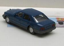 153: Mercedes Benz 260 E,  blau