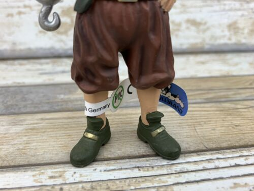 Bullyland Pirate With Hook Figure 4.5/'/'