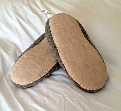 Handmade men's size 10//44 Slofa slip on slippers made from sheep fleece