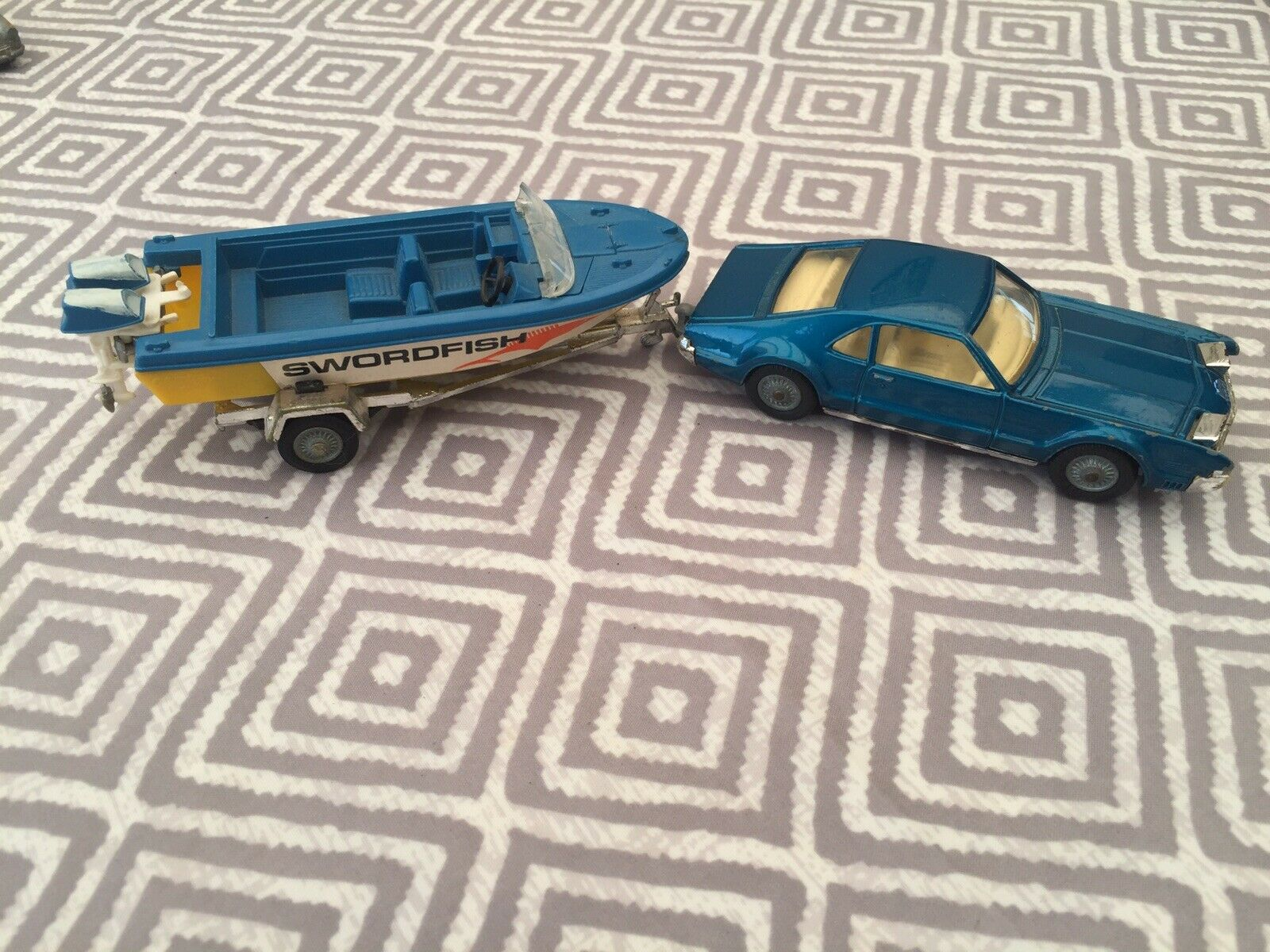 Vintage 1960 s Corgi Toys GS36 Oldsmobile Tornado & glastron Sportsman soeedboat