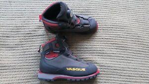 Vasque-M-7500-Mens-Climbing-Boots