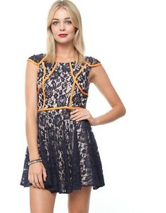 FINDERS-KEEPERS-MR-JONES-DRESS-79-Size-M-LACE-DETAIL-BRAND-NEW