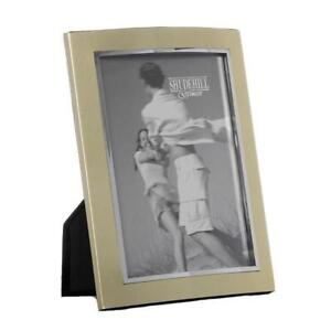 Gorgeous-Metal-Photo-Frame-With-Gold-Finish-8-034-x-10-034-74080