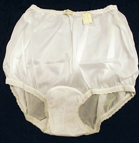 NOS Vtg 1960s-70s Womens Granny Panties Henson Kickernick Sheer Nylon 7 40 Tags