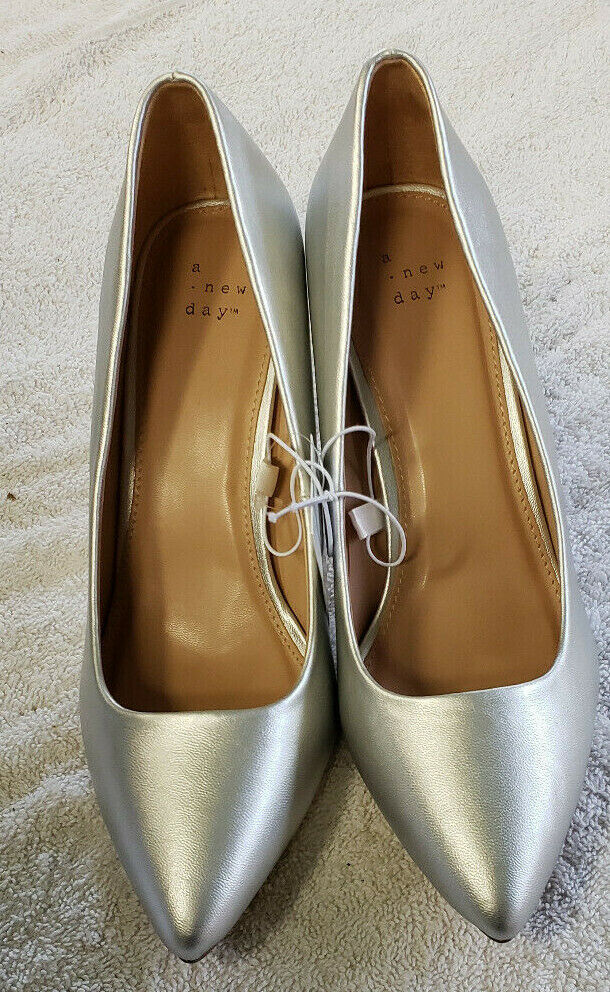 A New Day Womens Heels Silver Pumps size 7.5W