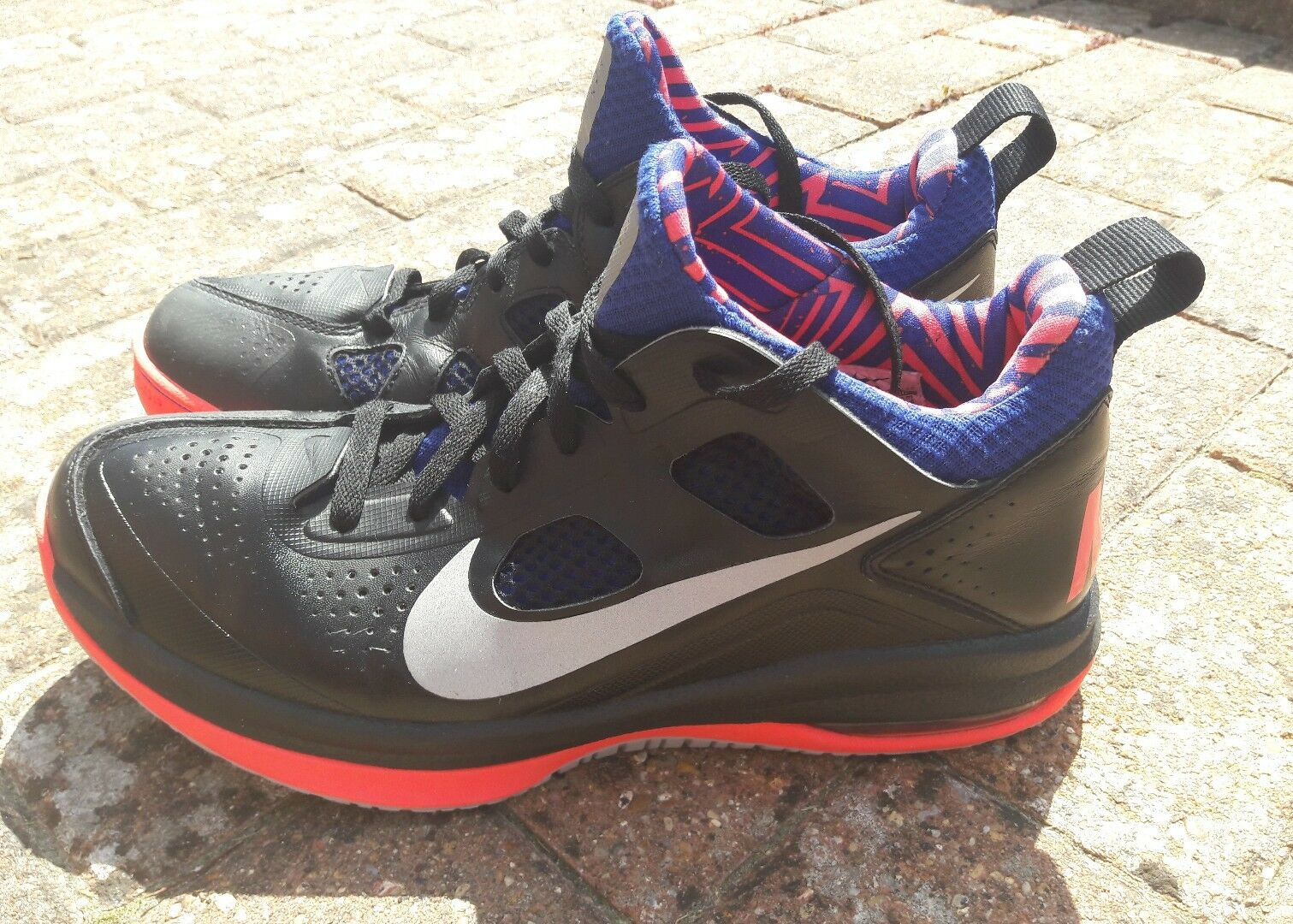 GENUINE NIKE AIR MAX DOMINATE USE TRAINERSTaille9.5 EU 44.5 OUTDOOR USE DOMINATE 4344e4